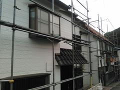 横須賀市二葉で塗装工事中です。